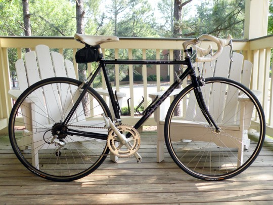 Waitsel's black Bianchi Alfana road bike
